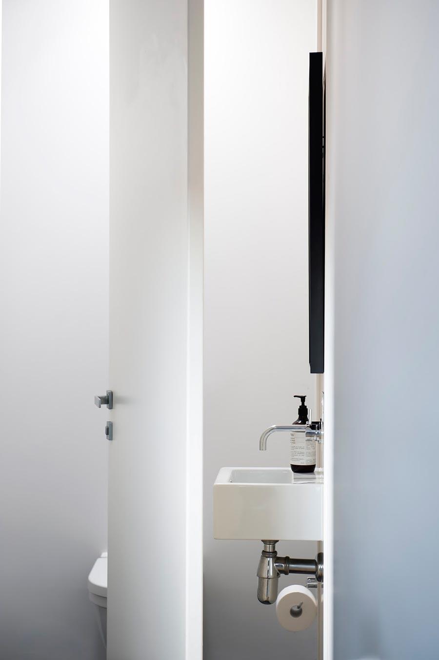 Award-winning monochromatic Bathroom by Minosa Design on Monochromatic Bathroom Ideas  id=49381