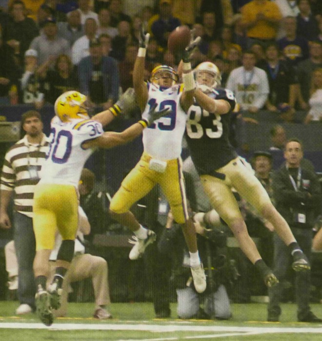 LSU defenders intercept former Irish quarterback Brady Quinn's pass to wide receiver Jeff Samardzija  the 2007 Sugar Bowl.