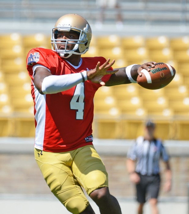 Junior quarterback Malik Zaire tries to find an open reciever during a practice on Aug. 21 at Notre Dame Stadium.