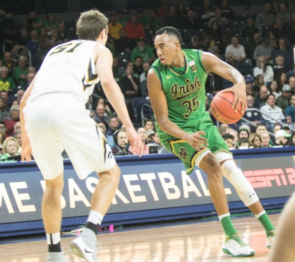 Notre Dame overcomes turnover troubles to best Iowa // The ...
