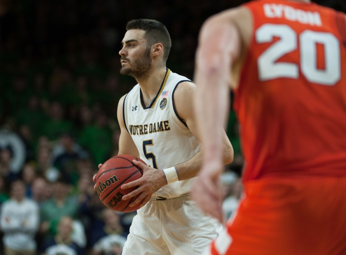 Notre Dame junior guard Matt Farrell looks to pass during the 84-66 Irish win over Syracuse at Purcell Pavilion on Saturday.
