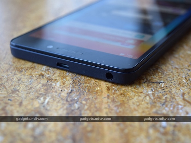 lenovo_a7000_top2_ndtv.jpg
