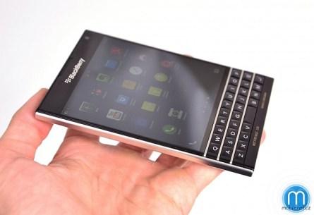 blackberry_passport_review_image_1_mobilnetcz.jpg