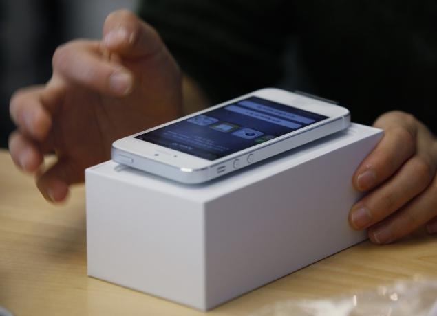 T-Mobile-Apple-635.jpg