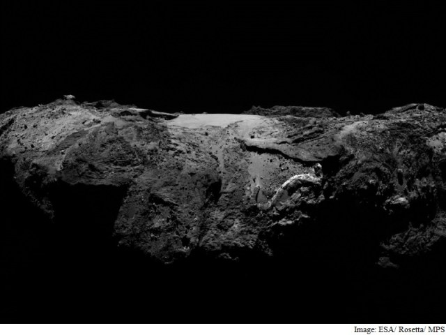 Water Ice Found on Surface of Comet 67P: Study