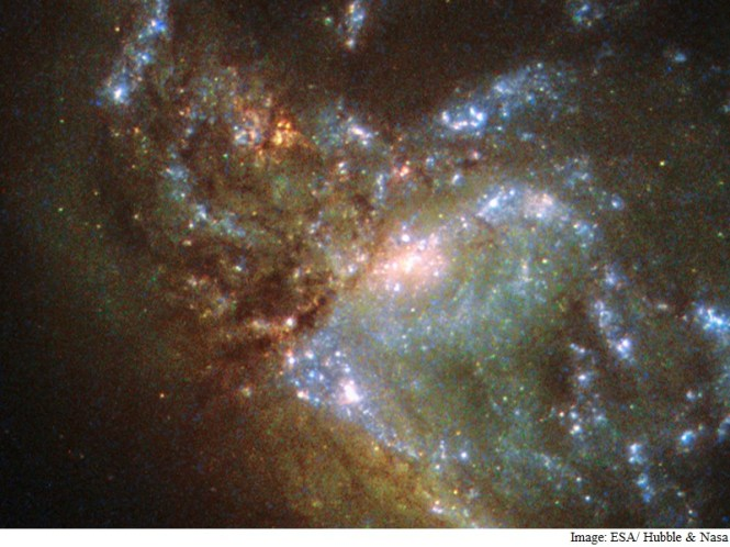 Hubble Telescope Clicks 2 Galaxies Merging for the First Time