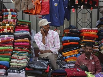 indian_mobile_user_reuters.jpg