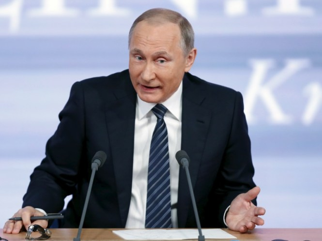Vladimir Putin Turns Roscosmos Space Agency Into a State-Run Corporation