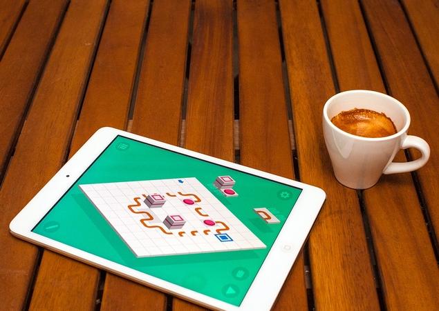 socioball_ipad_coffee_yellowmonkey.jpg