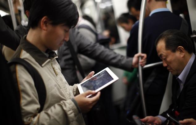 tablet-on-the-go-635.jpg