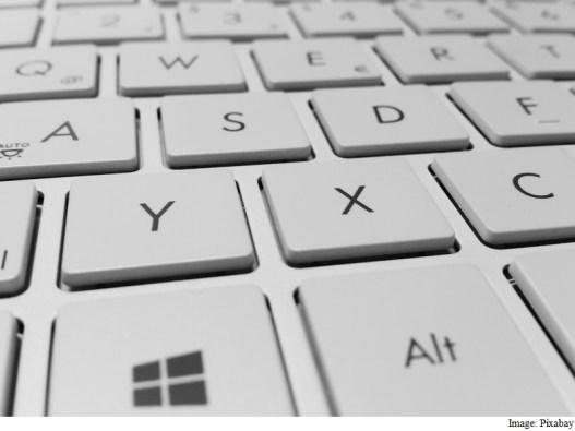 window_keyboard_pixabay.jpg