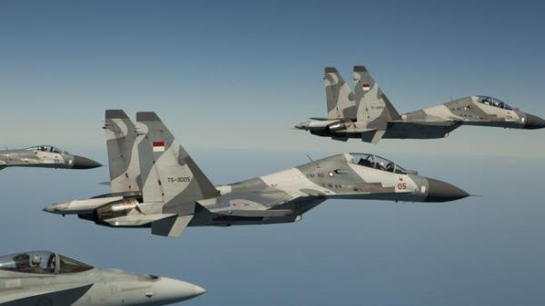 Indonesian jets 'force Australian plane to land'