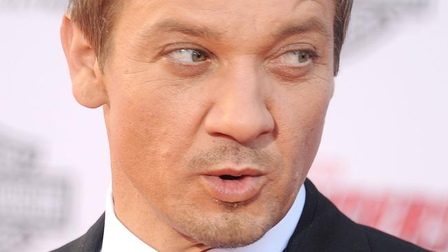 Jeremy Renner sex confession, gay rumours | The Courier-Mail