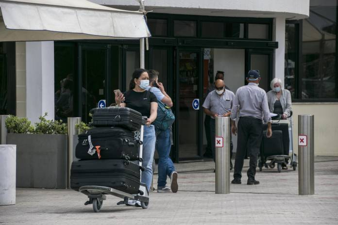Tourists-arriving-in-Malta-International-Airport