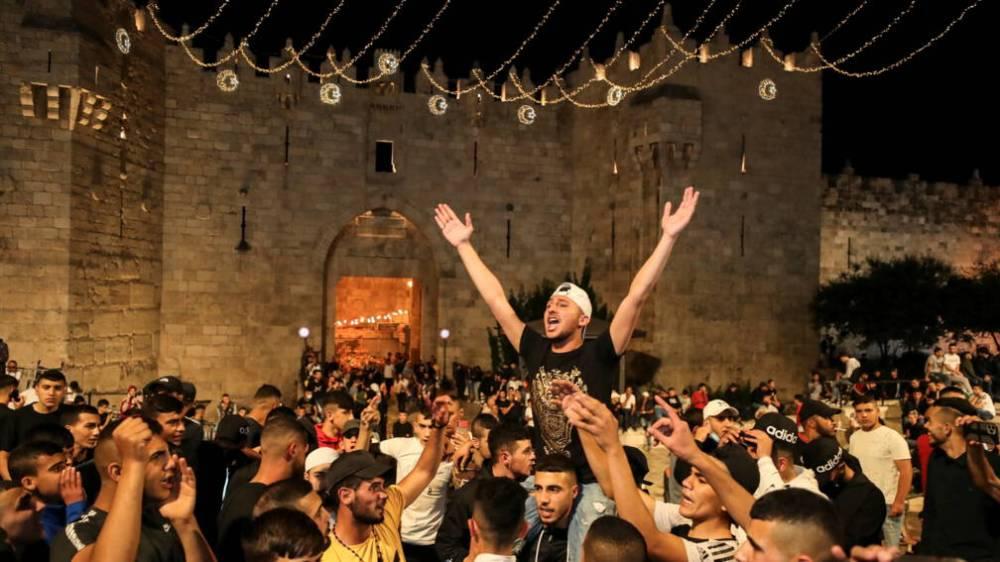 Politie Jeruzalem haalt na dagen van onlusten hekken bij Damascuspoort weg 5
