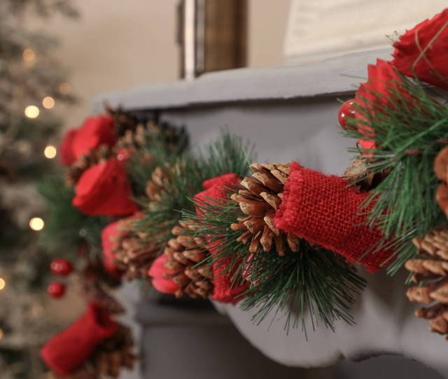 Natural Pine Cone And Red Rose Christmas Garland