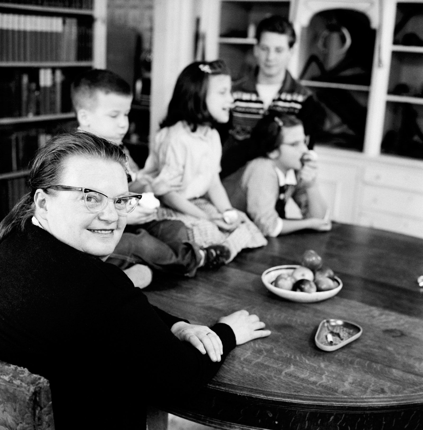 Shirley Jackson in Love   Death   by Joyce Carol Oates   The New     Shirley Jackson with her children  North Bennington  Vermont  1956
