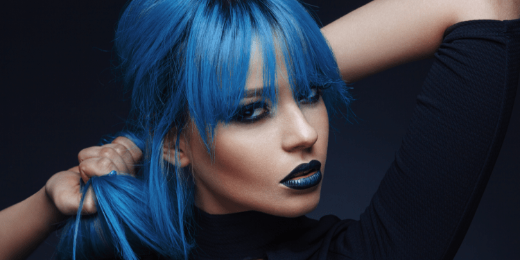 Coloring your hair blue