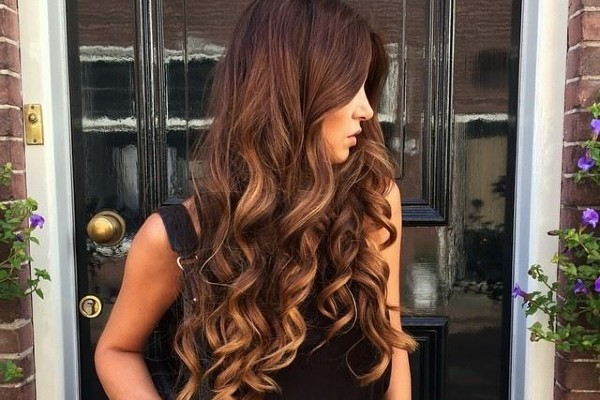 Loose Waves Long professional hairstyles.