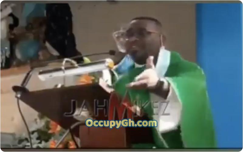 Pastor Church Members Contributing offertory