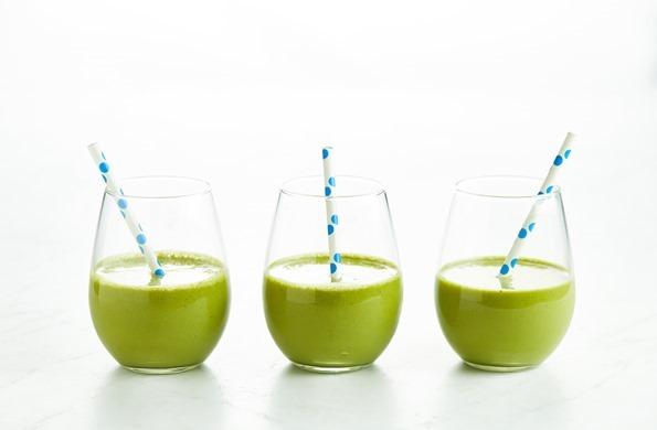 Matcha Wheatgrass Protein Smoothie 02850