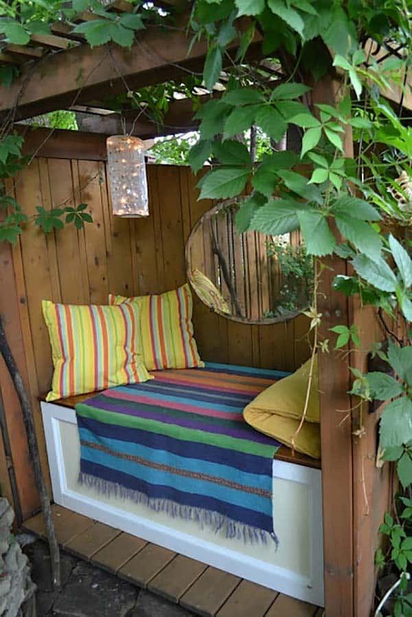 20 Cozy outdoor nooks inspiring your inner bookworm on Backyard Nook Ideas id=95462