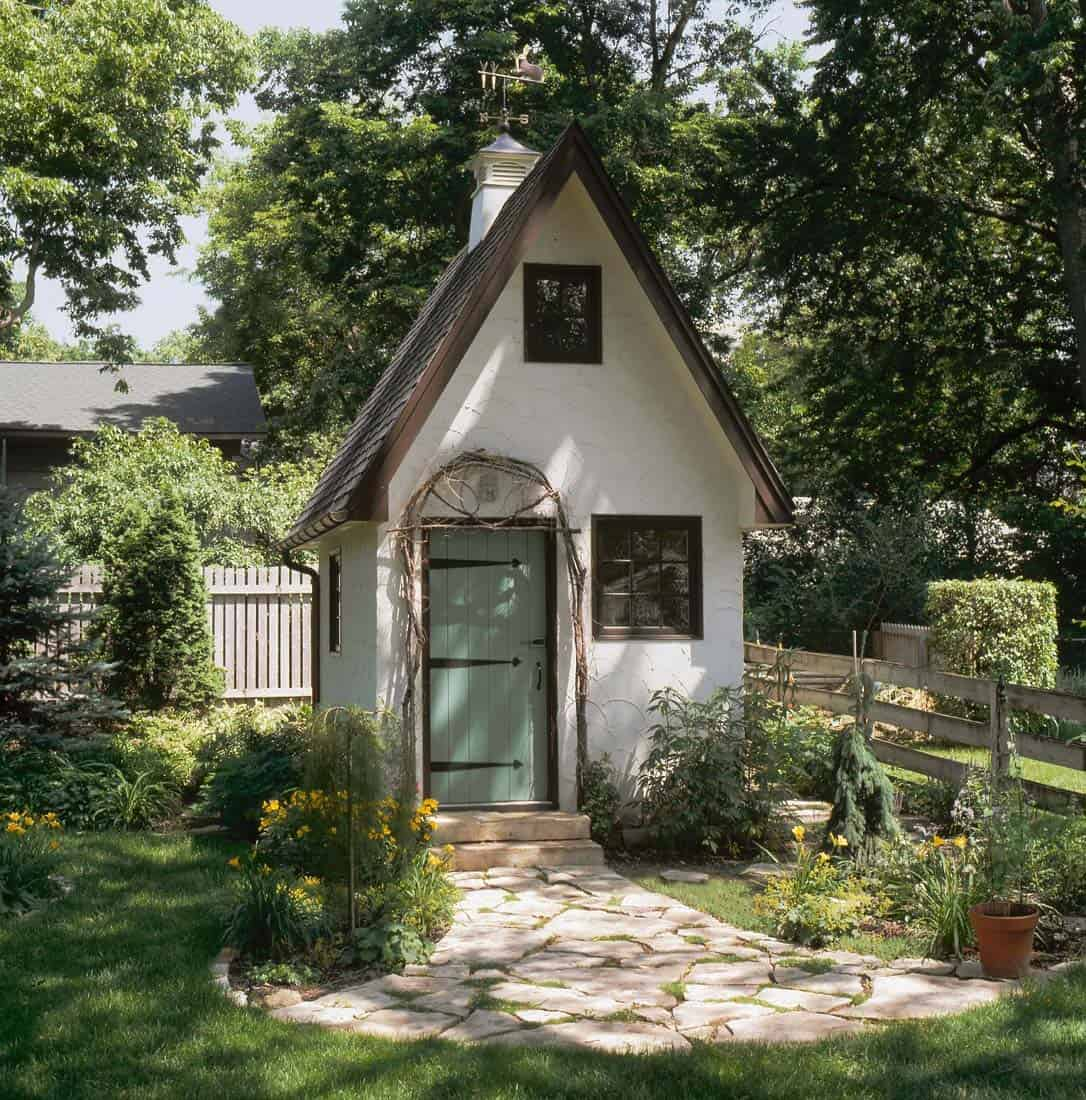 40 Simply amazing garden shed ideas on Cottage Yard Ideas id=81517