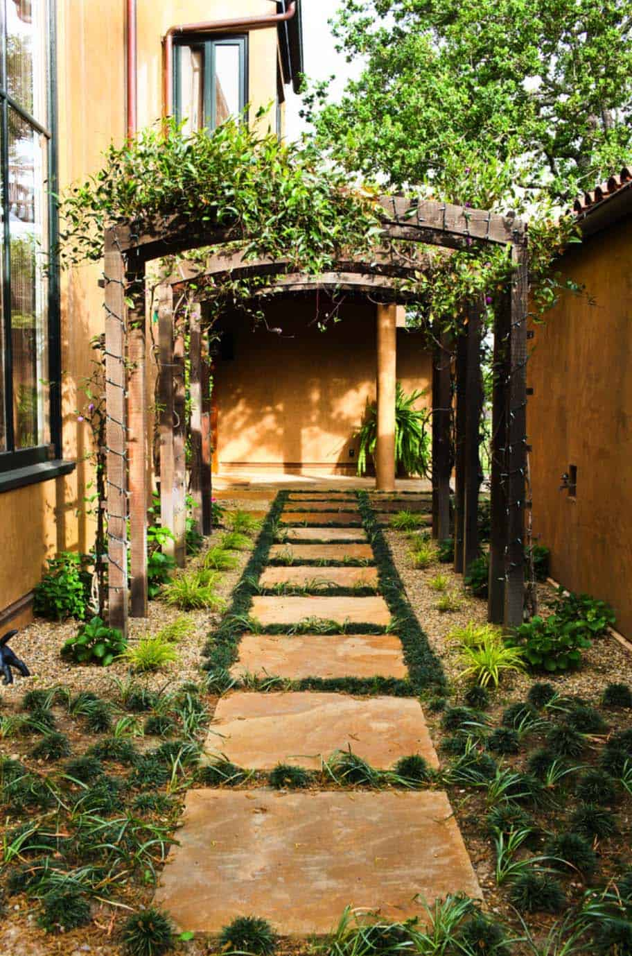 40 Brilliant ideas for stone pathways in your garden on Side Yard Walkway Ideas  id=70187