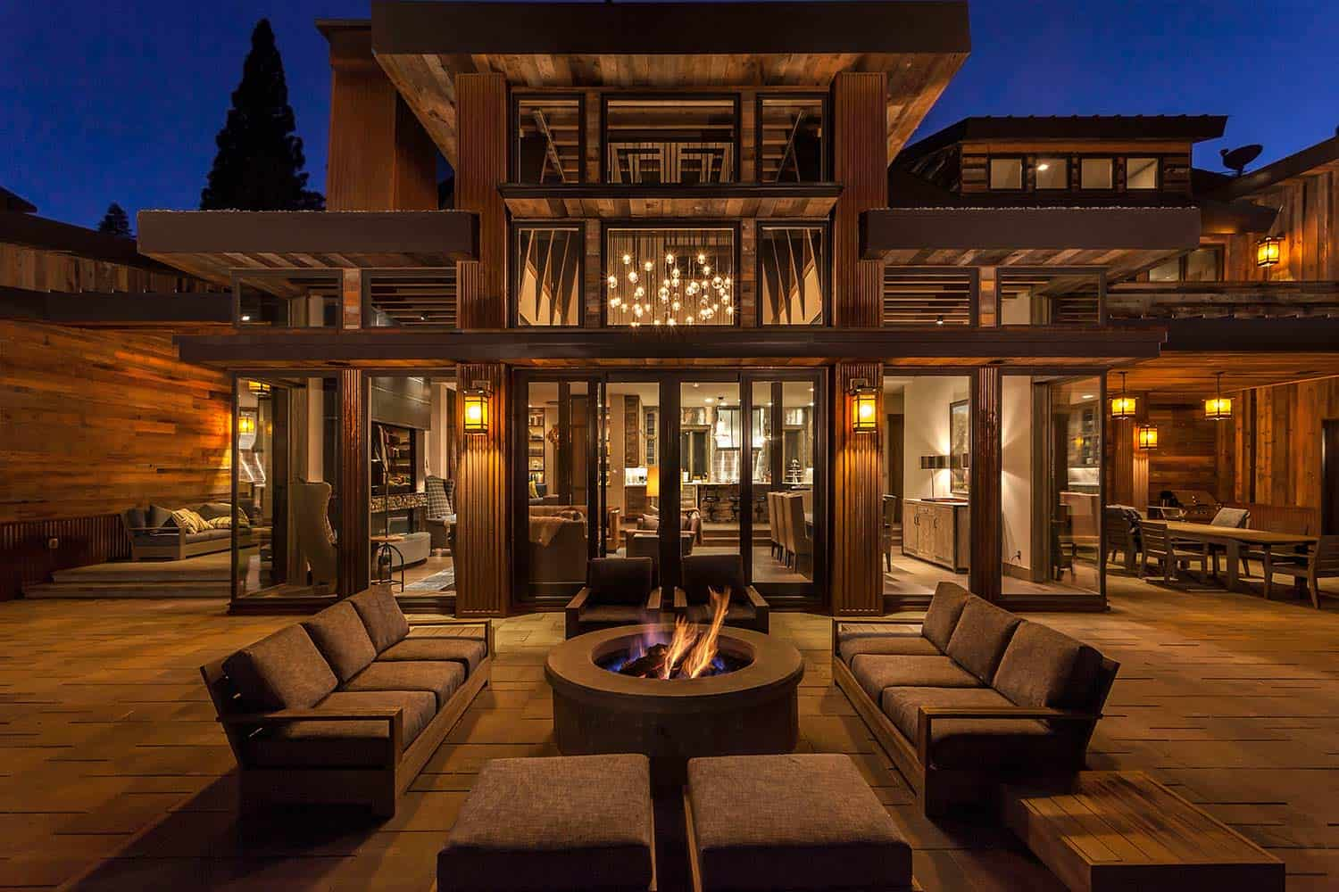 Lake Tahoe getaway features contemporary barn aesthetic on Interior:ybeqvfpgwcq= Modern House  id=89128