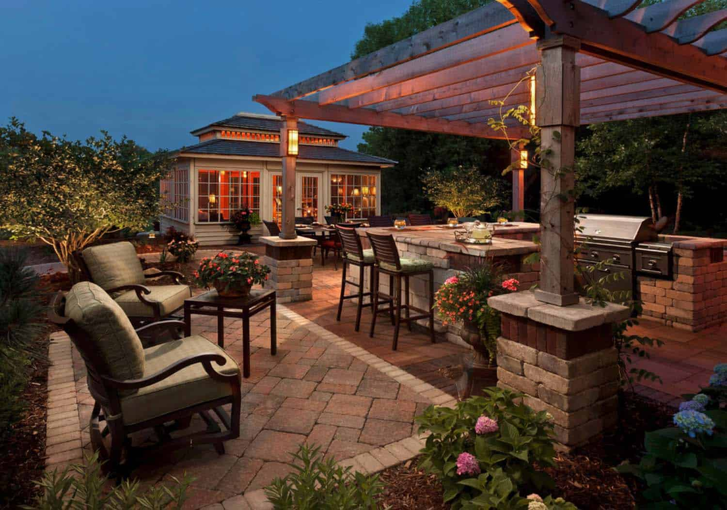 44 Traditional outdoor patio designs to capture your ... on Outdoor Living Designer id=59814