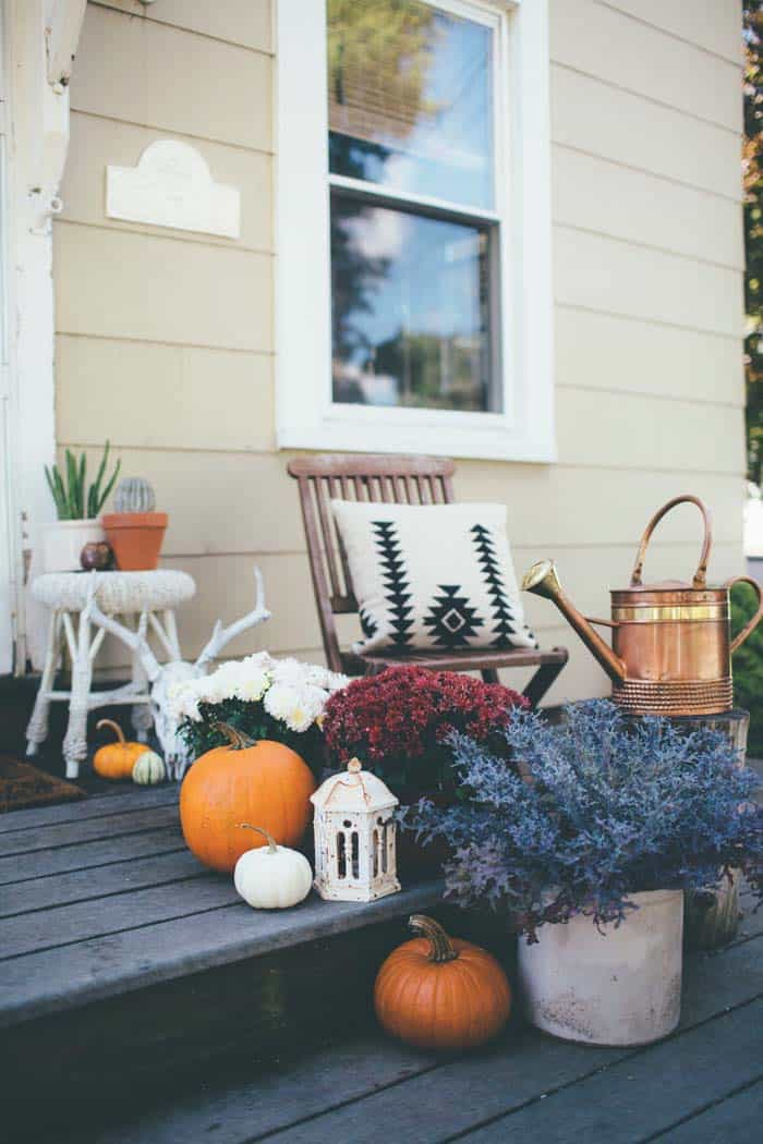 46 of the Coziest Ways to Decorate your Outdoor Spaces for ... on Garden Decor Ideas  id=42267