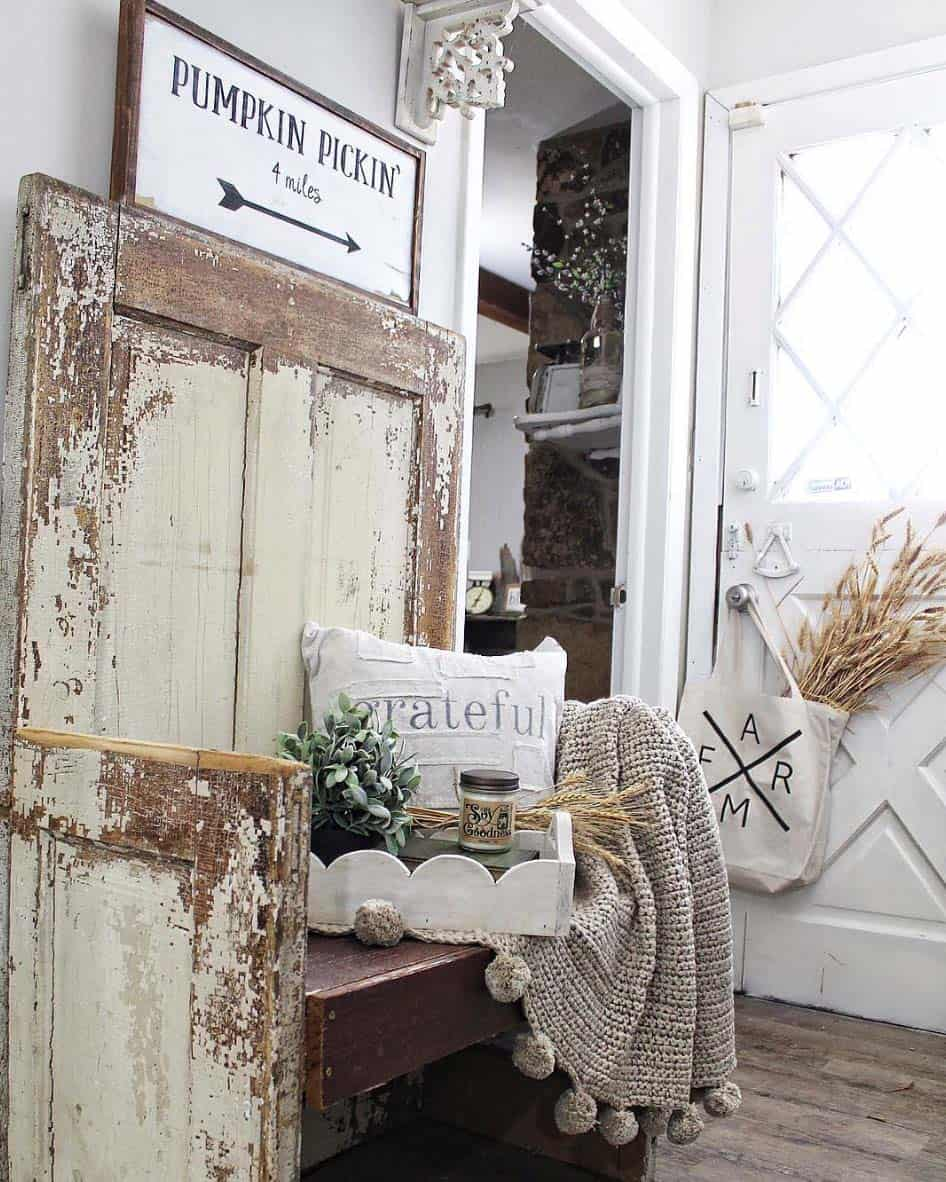 50+ Absolutely gorgeous farmhouse fall decorating ideas on Farmhouse Decorating Ideas  id=53100