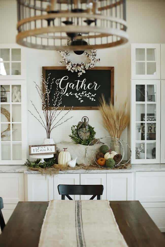 50+ Absolutely gorgeous farmhouse fall decorating ideas on Farmhouse Decorating Ideas  id=24202