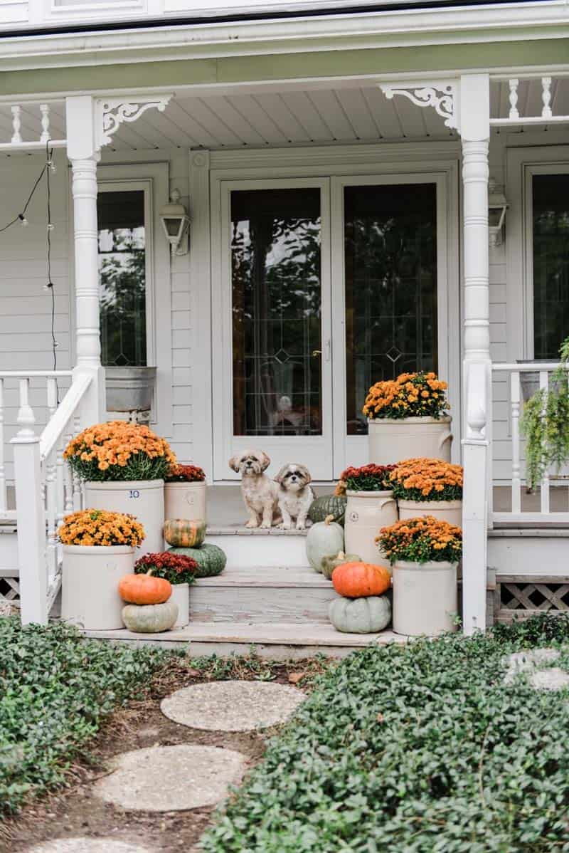 50+ Absolutely gorgeous farmhouse fall decorating ideas on Farmhouse Decorating Ideas  id=17200