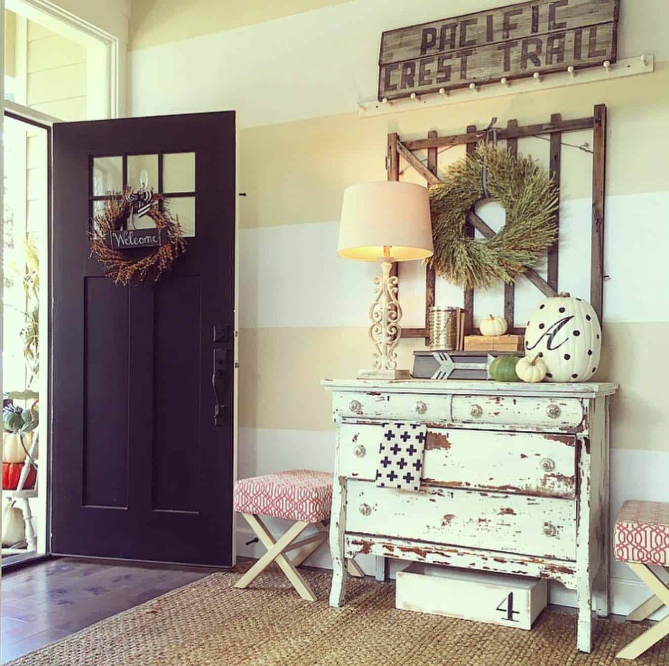 50+ Absolutely gorgeous farmhouse fall decorating ideas on Farmhouse Decorating Ideas  id=98404
