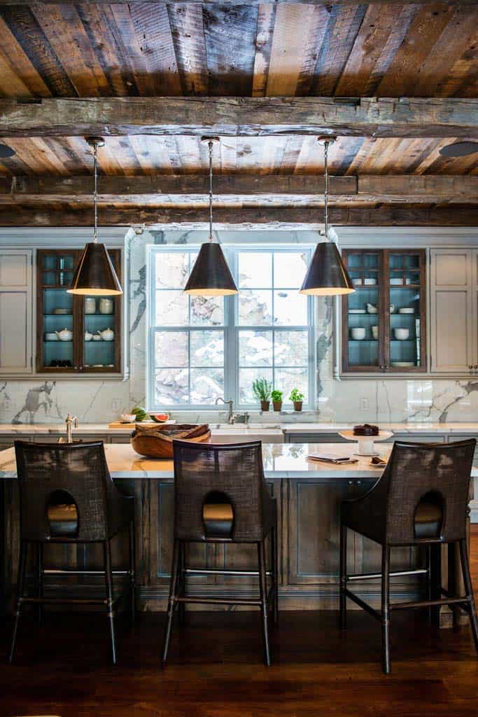 Charming rustic cottage framing dramatic views of Lake Joseph on Rustic:mophcifcrpe= Cottage Kitchen Ideas  id=87600