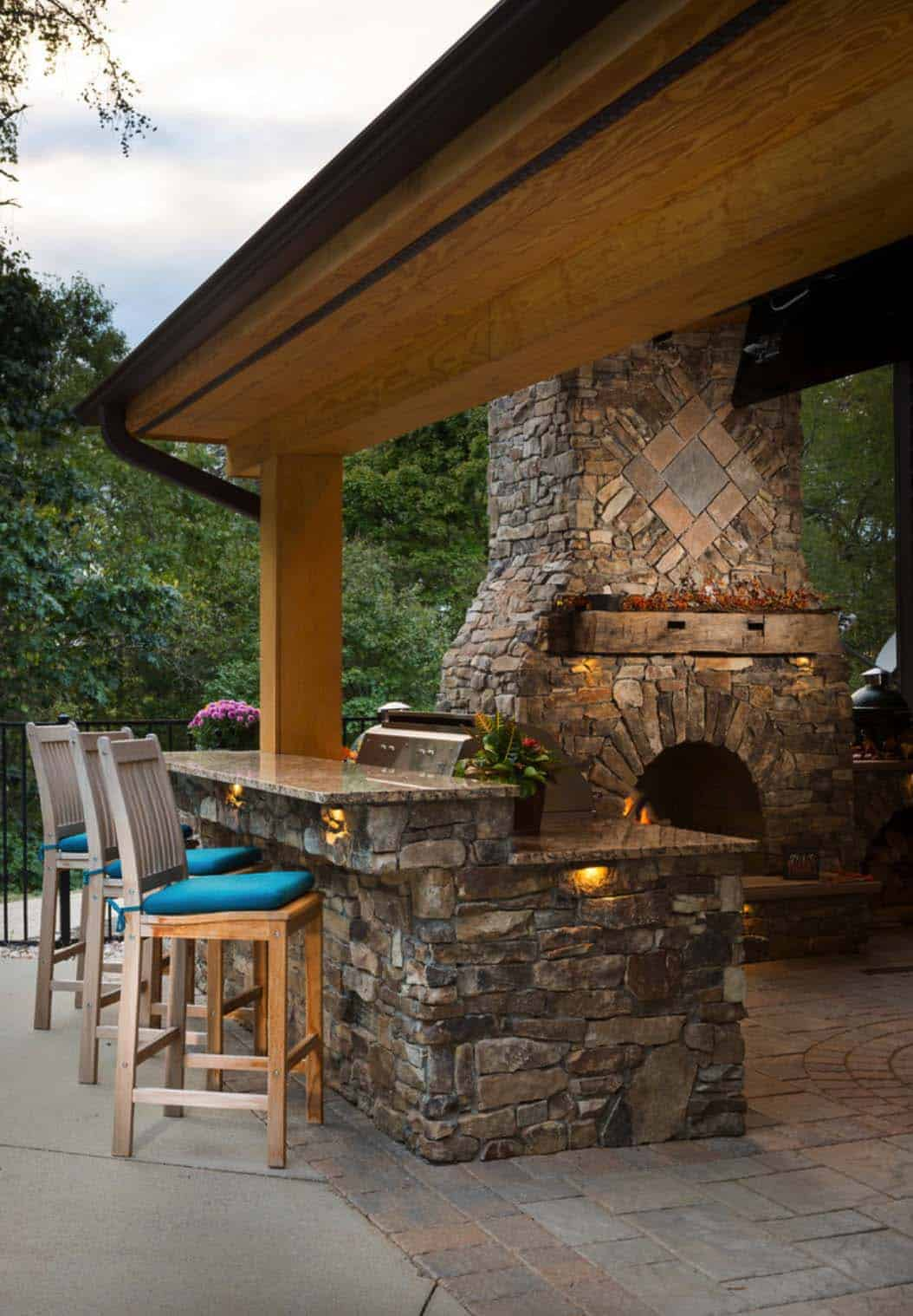 20+ Spectacular outdoor kitchens with bars for entertaining on Outdoor Kitchen And Fireplace Ideas id=42842