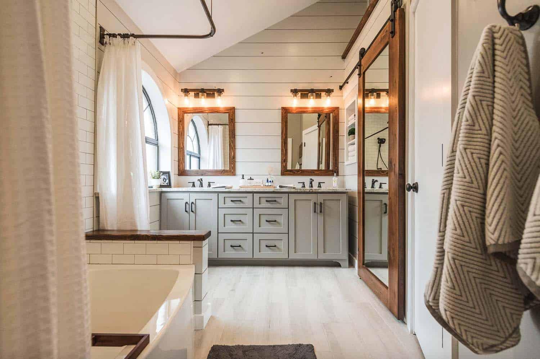 21 Gorgeous farmhouse style bathrooms you will love on Farmhouse Shower Ideas  id=31446