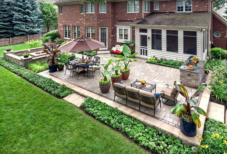 25+ Amazingly cozy backyard retreats designed for entertaining on Backyard Retreat Ideas id=49387