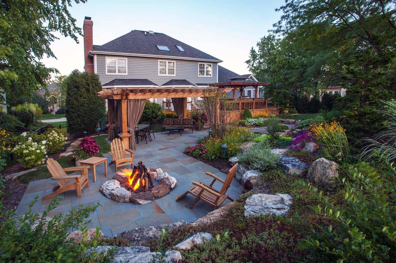 25+ Amazingly cozy backyard retreats designed for entertaining on Backyard Retreat Ideas id=31072