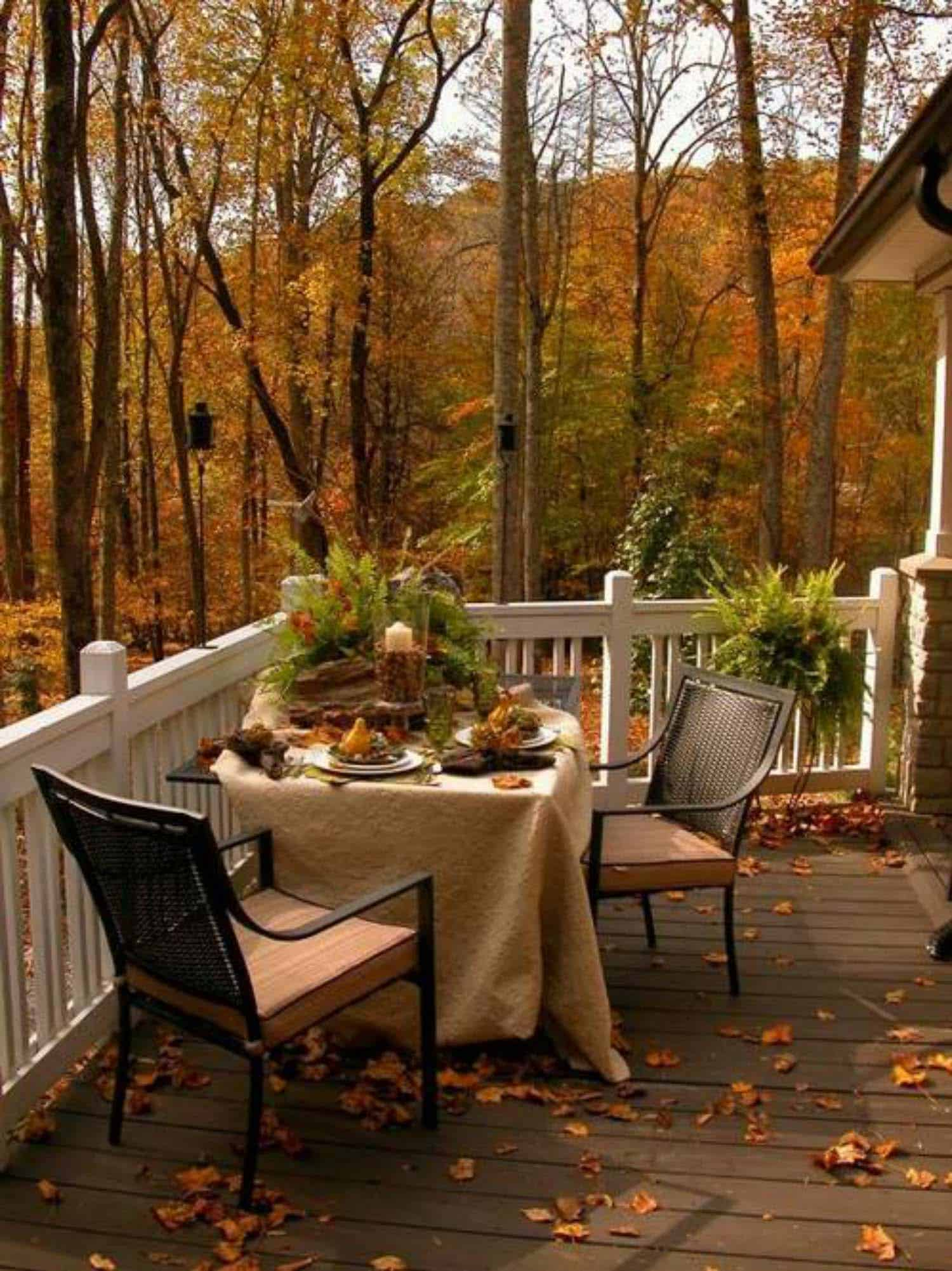 25+ Fall-inspired outdoor living spaces that are ultra-cozy on Living Spaces Outdoor Dining id=84920