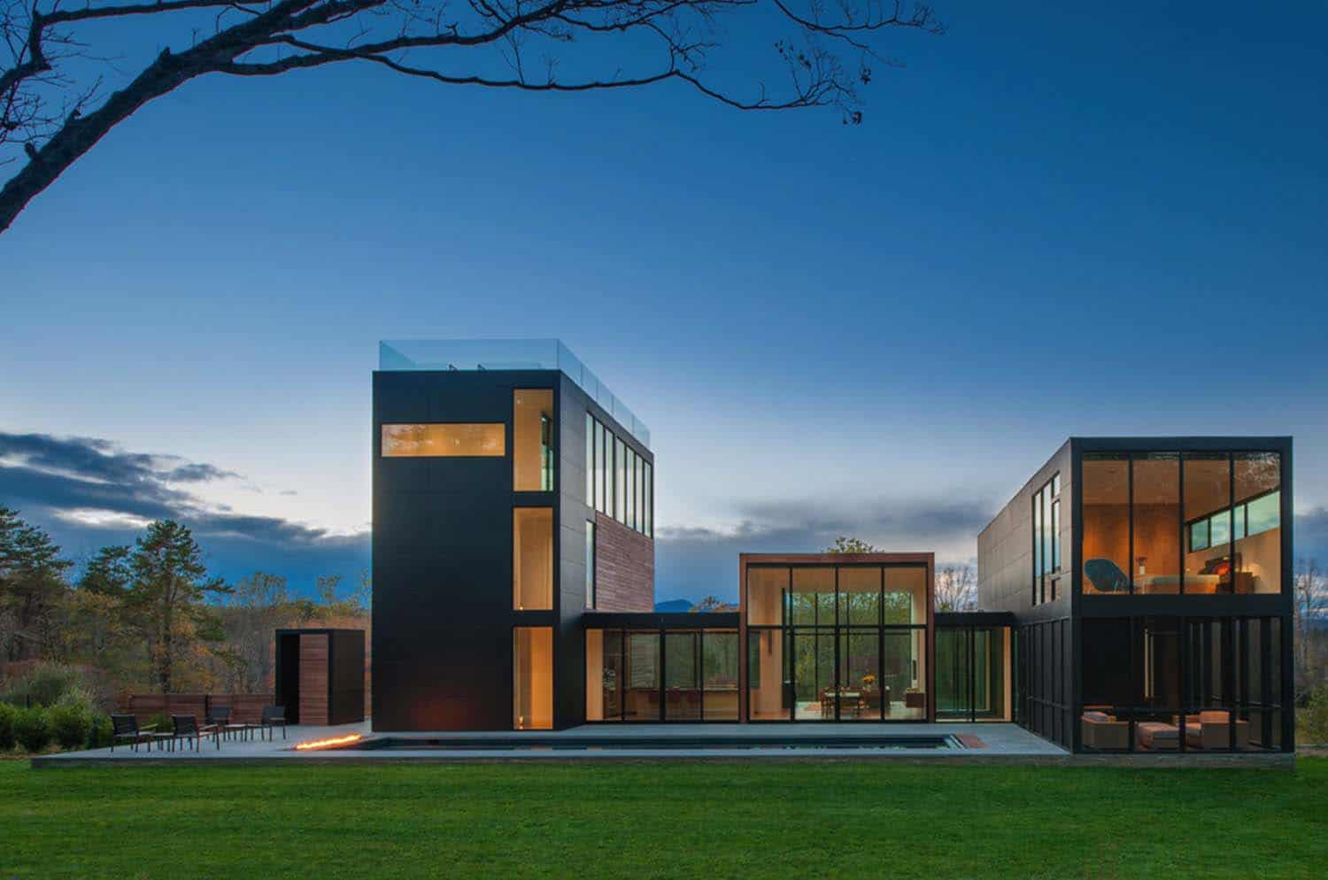 Woodland Home In Virginia Exhibits Intriguing Play Of Volumes