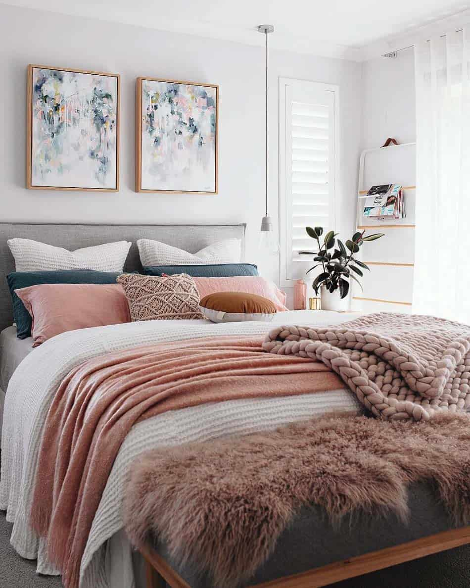 33 Ultra-cozy bedroom decorating ideas for winter warmth on Room Decor Ideas  id=76779