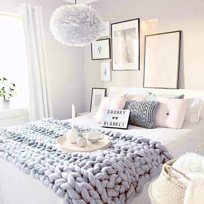 33 Ultra-cozy bedroom decorating ideas for winter warmth on Cozy Teenage Room Decor  id=54409