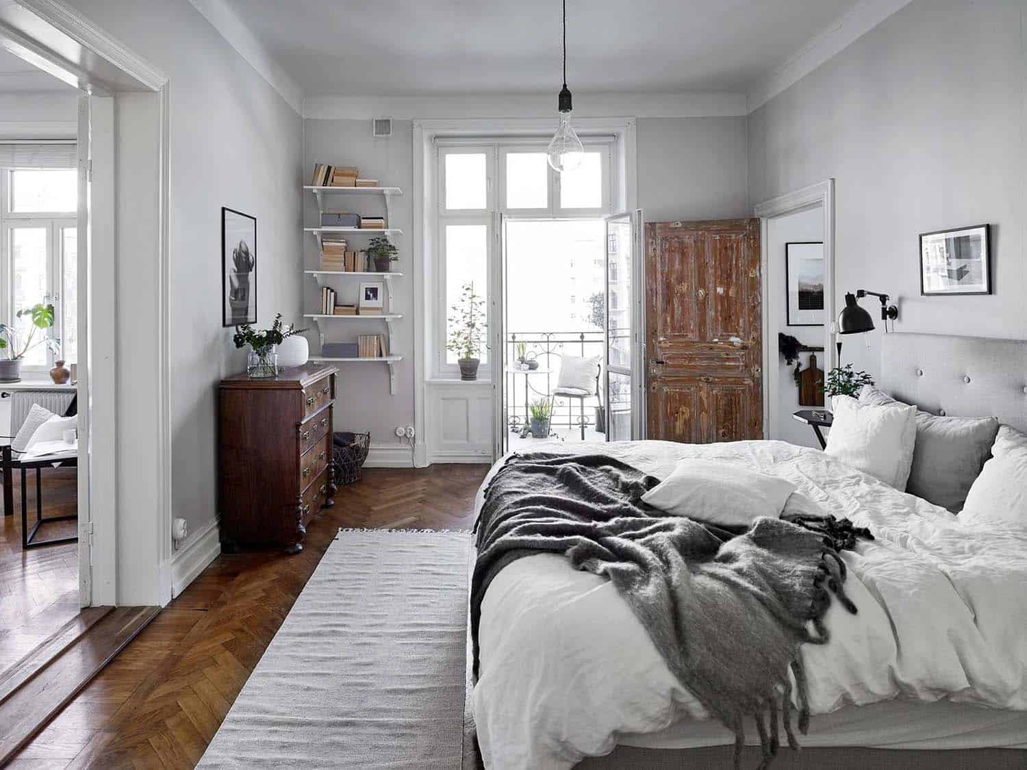 33 Ultra-cozy bedroom decorating ideas for winter warmth on Bedroom Decoration Ideas  id=72552