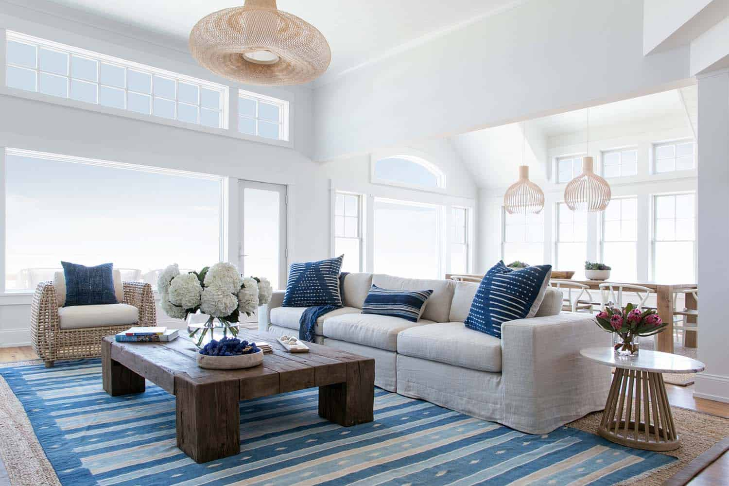Luminous Coastal-chic Home Offers A Relaxed Vibe In Beach