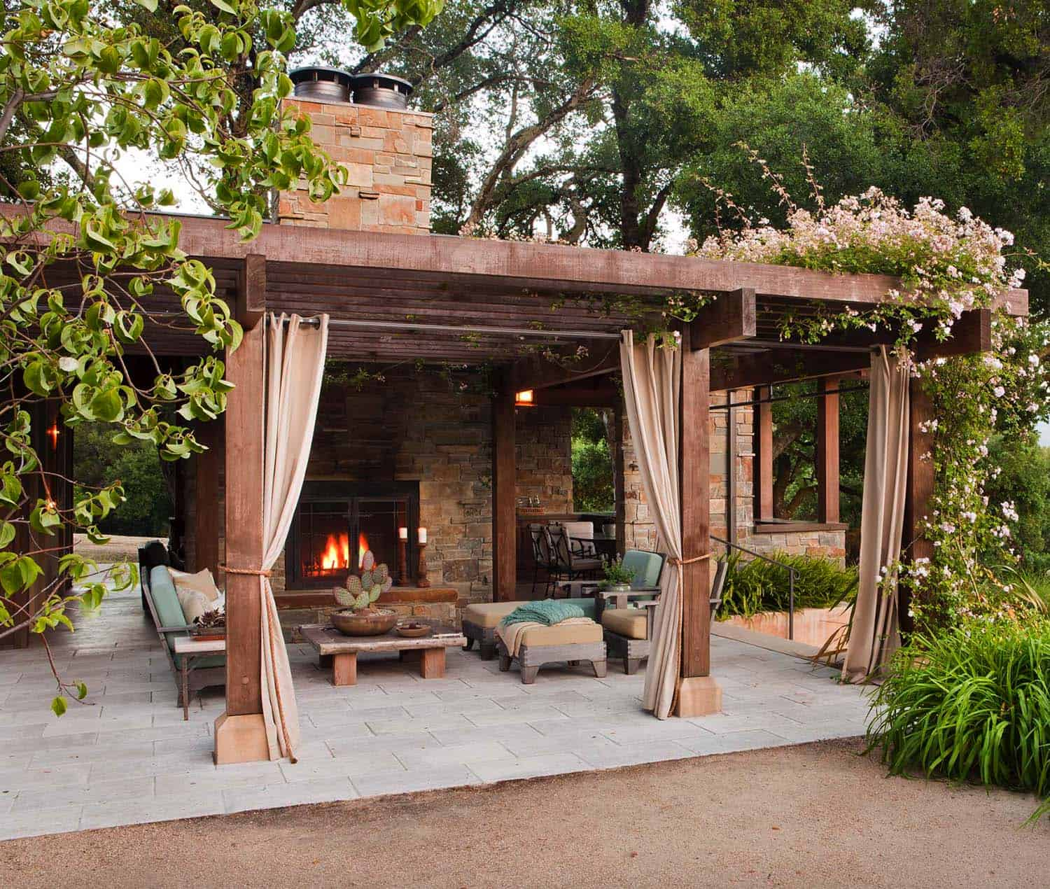 30+ Irresistible outdoor fireplace ideas that will leave ... on Outdoor Kitchen And Fireplace Ideas id=91794