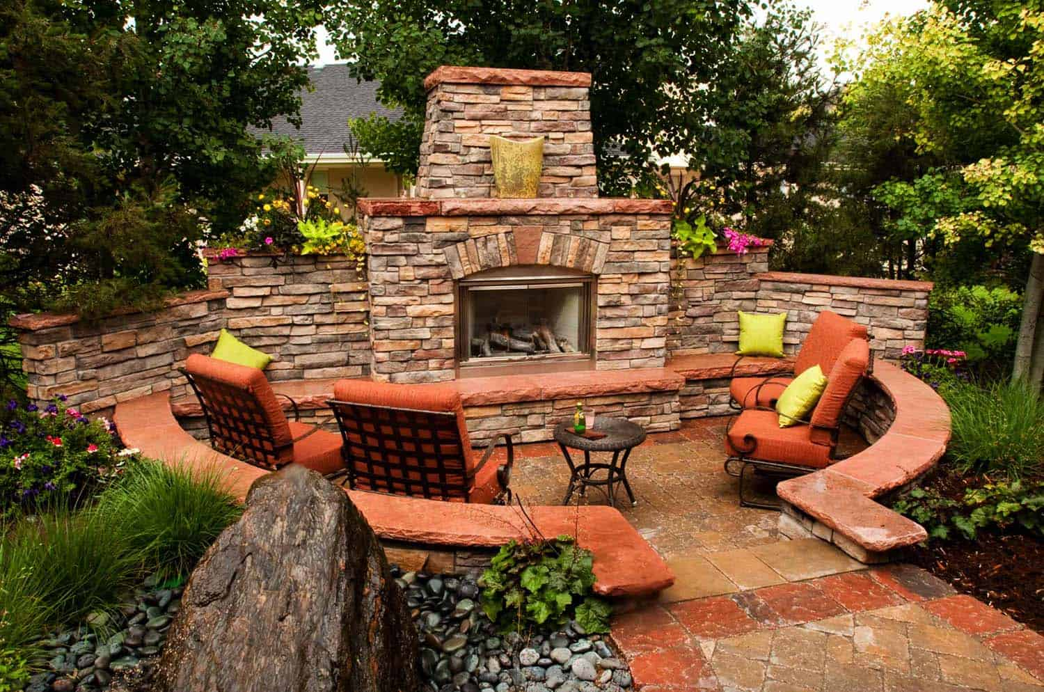 30+ Irresistible outdoor fireplace ideas that will leave ... on Small Outdoor Fireplace Ideas id=55784