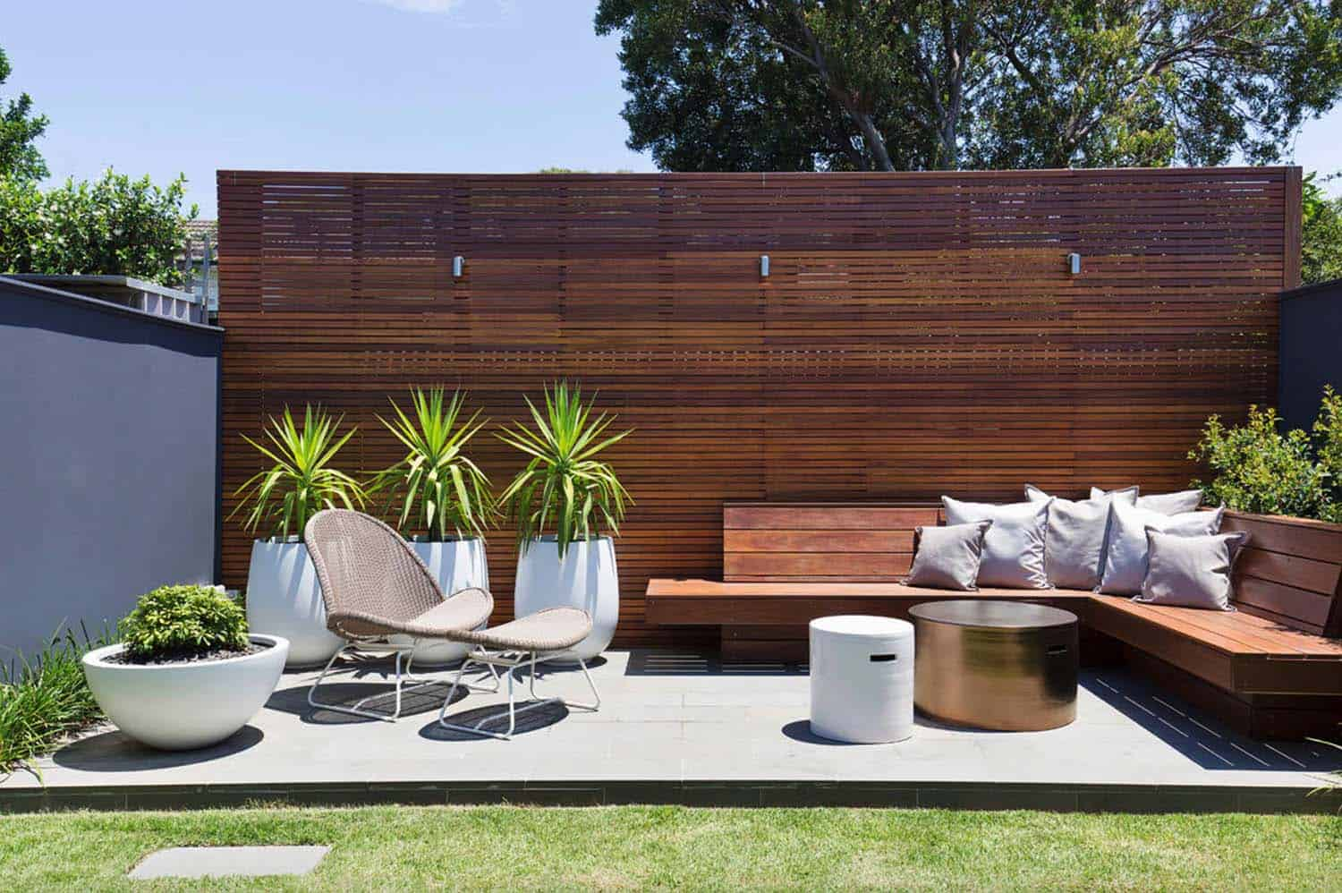 35 Brilliant and inspiring patio ideas for outdoor living ... on Garden Entertainment Area Ideas id=90994