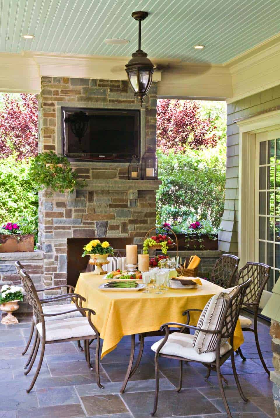 35 Brilliant and inspiring patio ideas for outdoor living ... on Outdoor Living And Patio id=54380